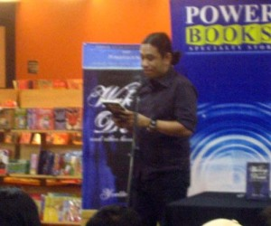 "Arnold ""Martial Law Babies"" Arre reading an excerpt of ""Sidhi."""